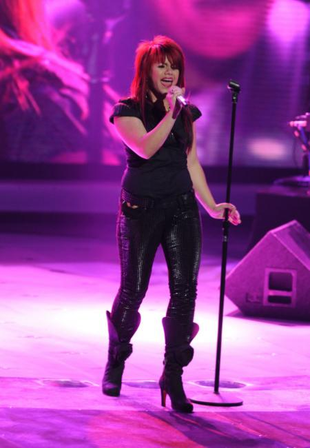 Allison Iraheta performs as one of the top 4 on American Idol