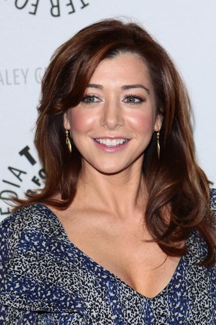 Alyson Hannigan's simple sexy long hairstyle