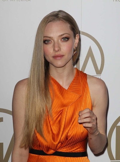Amanda Seyfried straight hair