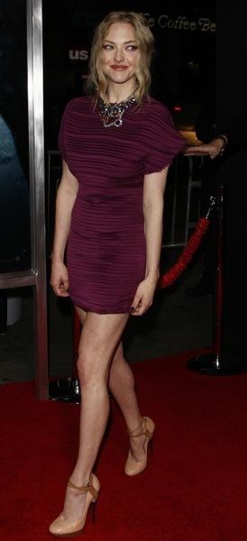 Amanda Seyfried in horizontal folds