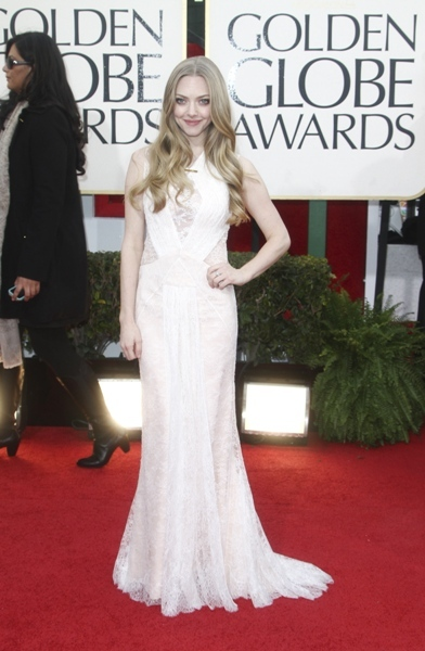 Amanda Seyfried lace gown