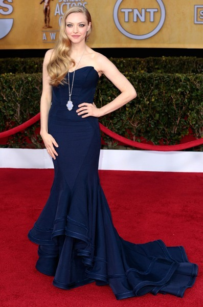 Amanda Seyfried mermaid gown