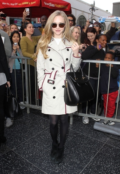Amanda Seyfried trenchcoat