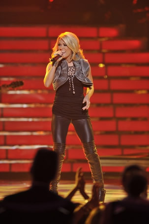 Carrie Underwood at Finale 5/26/10