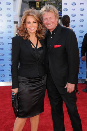 Raquel Welch and Nigel Lythgoes on Red Carpet at Finale 5/26/10
