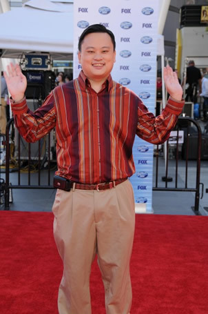 William Hungs on Red Carpet at Finale 5/26/10