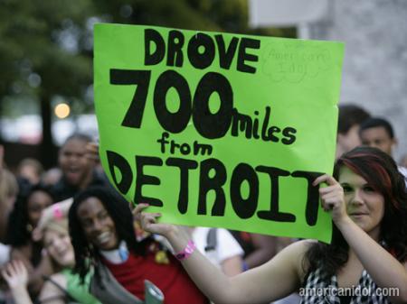 American Idol Season 9 Atlanta Auditions Girl Holding 700 Mile Sign
