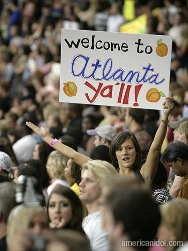 American Idol Season 9 Atlanta Auditions Girl Holding Welcome To Atlanta Sign