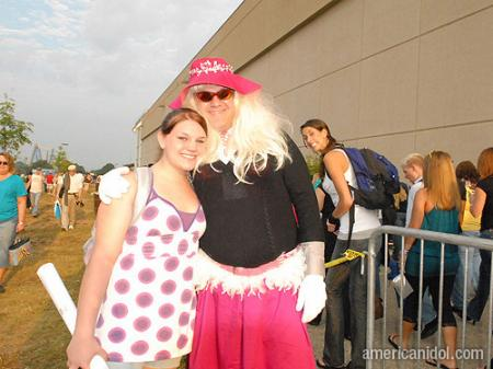 American Idol Season 9 Auditions Man Dressed in Pink Drag