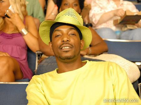 American Idol Season 9 Auditions Man in Yellow Shirt and Hat