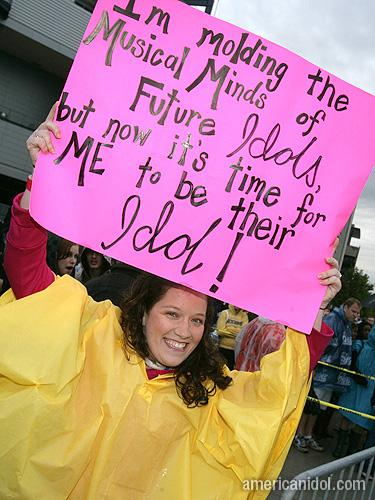 American Idol Season 9 Boston Auditions Girl in Yellow Rain Coat