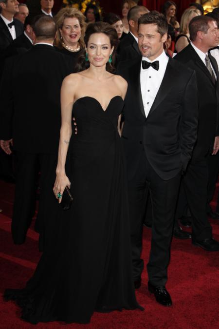 Angelina Jolie and Brad Pitt at the 2009 Oscars