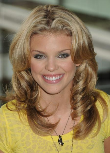 AnnaLynne McCord long layered curls