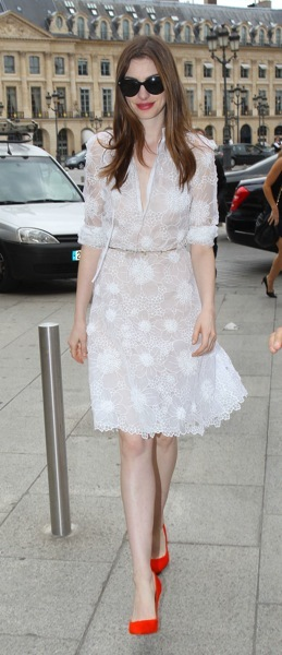 Anne Hathaway with red shoes