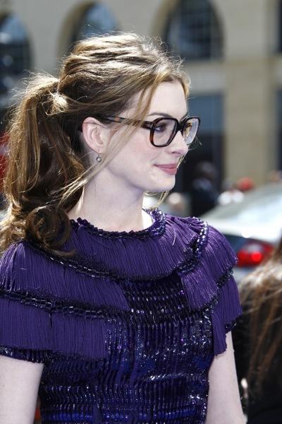 Anne Hathaway in fringe
