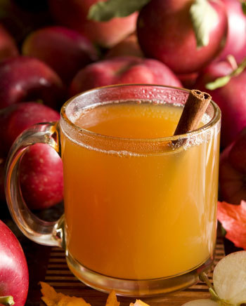 Warmly spiced apple cider