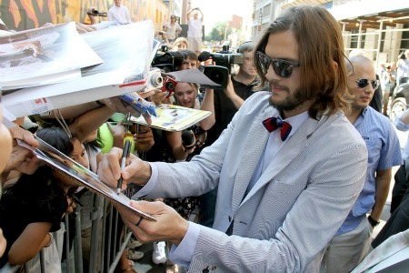 Ashton Kutcher signs autographs at the Letterman Show