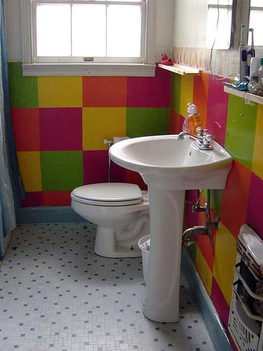 Color - Bathroom decorating ideas