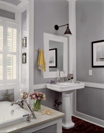 Grey decor bathroom