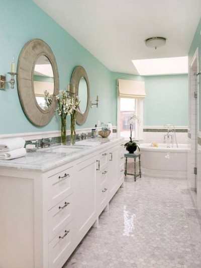 Bathroom Accents In The Hottest Summer Hues Light Blue Bathroom Decor