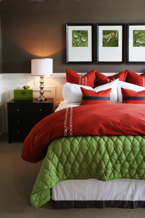 Red and green bedroom decor - Red, yellow & orange themes