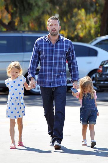 Ben Affleck & his daughters