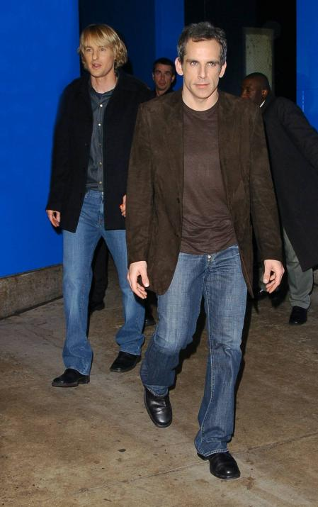 Owen Wilson walks behind Ben Stiller
