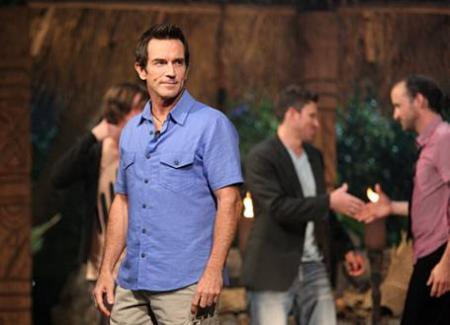 Best Survivor: Samoa (19) Moments Host Jeff Probst at Finale