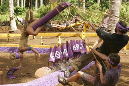 Best Survivor: Samoa (19) Moments Natalie About to Fall in Challenge
