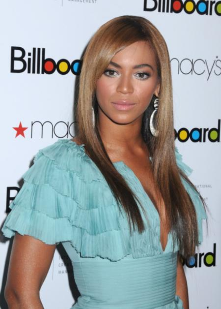 Beyonce's long straight sexy hairstyle