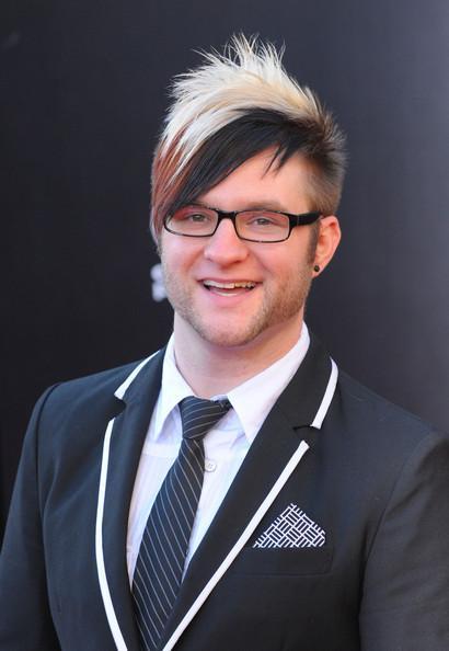 Suit-able attire for Lewis