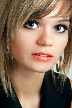 Blond hair - Bob with razor cut ends