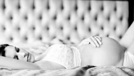 Prenatal boudoir photography