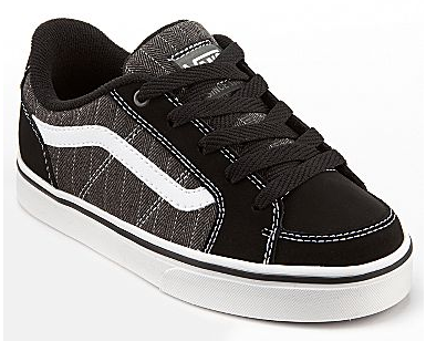 Boy's skate shoes