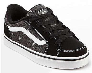 Boy's skate shoes