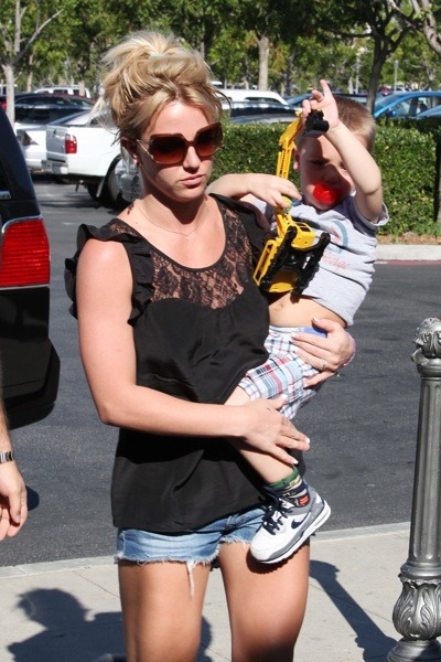 Britney Spears in peasant top