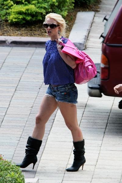Britney Spears in blue polka dot