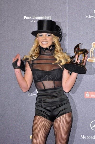 Britney Spears in top hat