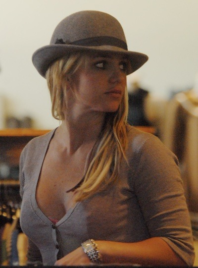 Britney Spears in bowler hat