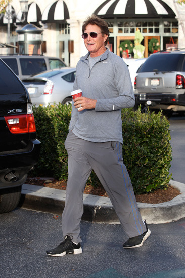 Bruce Jenner gets coffee