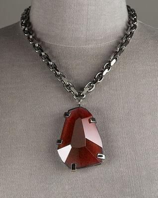 burberry_faceted_pendant_necklace.jpg
