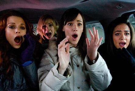 Camille Guaty, Jennifer Garner, and Rachel Boston in Ghosts of Girlfriends Past.