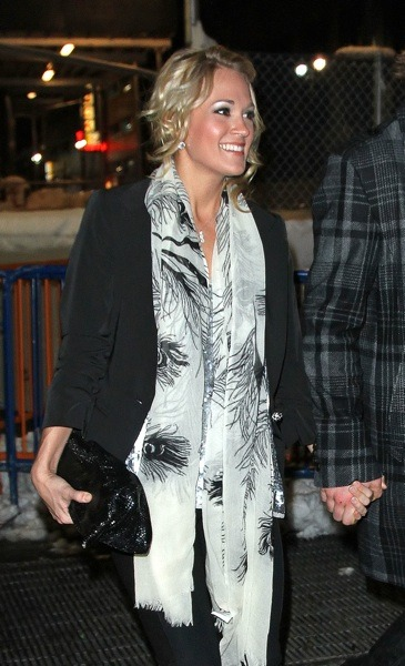 Carrie Underwood with long scarf