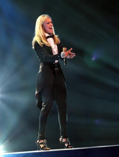 Carrie Underwood in sexy tuxedo