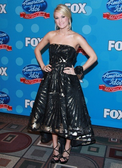 Carrie Underwood in strapless gown