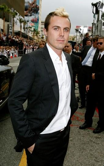 Casey Affleck with blonde hair at Ocean's 13 premiere