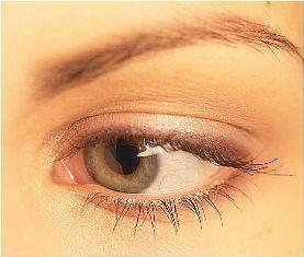 Low-key cat eye