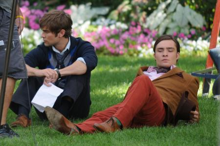Ed Westwick wears red pants next to Chase Crawford in Gossip Girls