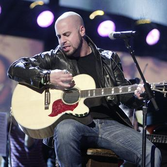 Show alum Daughtry visits former grounds