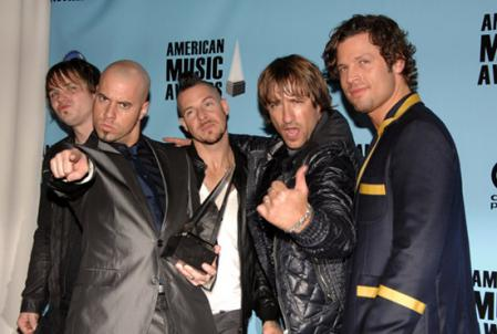Twice as nice for Daughtry at AMAs